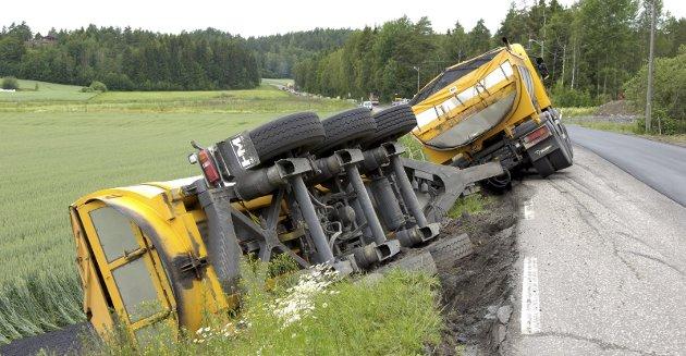 Ulykkesvei: Kodalveien er trafikkfarlig – og krevende for yrkessjåfører. Likevel preges veien av uvettig kjøring. Arkivfoto: Per Langevei