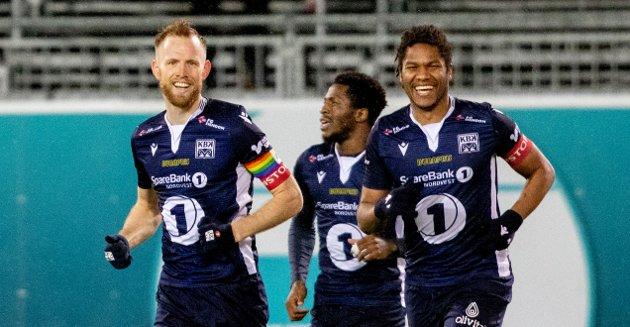 Dan Peter Ulvestad (fra venstre), Faris Pemi og Christophe Psyché jublet for seier mot Mjøndalen. Søndag venter Strømsgodset på hjemmebane.