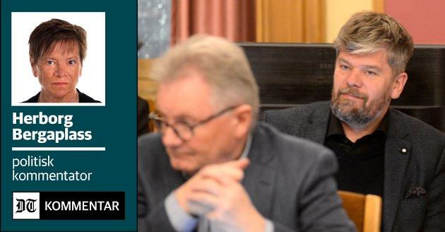 OPPVASK: Ståle Sørensen (ba) var ikke nådig med SV og gruppeleder Rune Kjeldsen i bystyredebatten om godtgjørelser.  De andre partiene i den rødgrønne blokken valgte å ta oppgjøret med SV på kammerset.