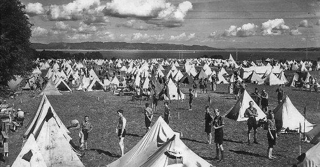 EN NY BY: Norsk Speidergutt-Forbunds jubileumsleir samlet 6666 deltakere på Tronvik.