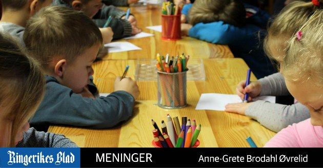 TO IGJEN: - Når pedagogene er på ulike møter eller tar ubunden arbeidstid, blir det to ansatte igjen på ni barn, skriver Anne-Grete Brodahl Øvrelid. (illustrasjonsfoto, Pixabay)