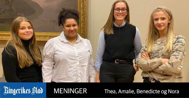 MYE ARBEID: - Dette handler om at ordfører Kirsten Orebråten ser at arbeidsmengden er stor, kanskje større nå enn tidligere, skriver kommunestyrerepresentantene  Thea, Amalie, Benedicte, og Nora.