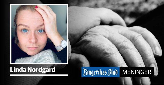 IKKE GREIT: – Det er ikke greit at eldre mennesker sitter med avføring i bleia i timevis, skriver Linda Nordgård. (illustrasjonsfoto)