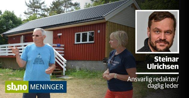 IKKE SOMMERIDYLL: Sommeren 2018 meldte Kjell Veiby og Anne Sjømæling at Kystledhytta på Buerøya, som kan ses i bakgrunnen, var klar for å ta imot besøk igjen. Men sommeridyllen har uteblitt.