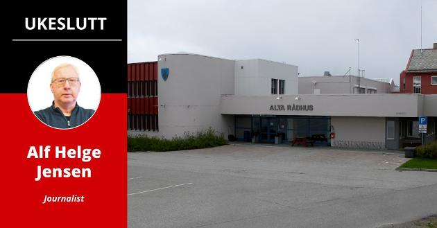 UTREDER: I Alta rådhus utreder saksbehandlerne fordeler og ulemper ved en eventuell overgang til Troms fylkeskommune.