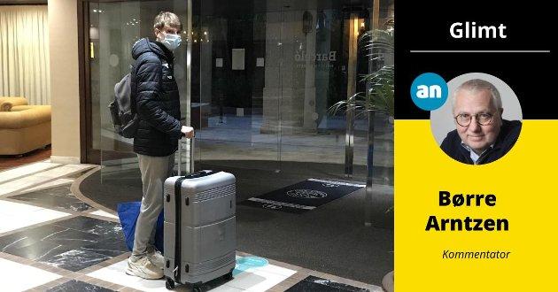 Her forlater Kasper Junker hotell Barcelo uten å fortelle hvor han satte kursen videre. Dermed blusser feiden mellom stjernespissen og Glimt opp med fornyet kraft.