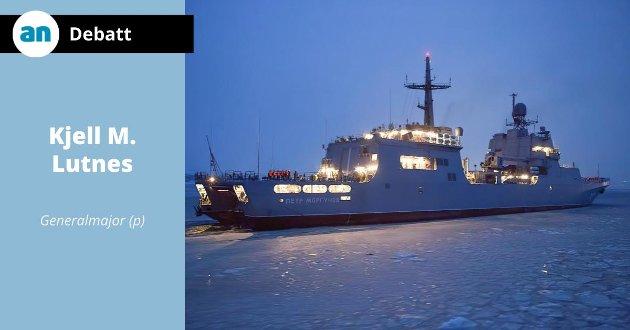 """Det nye landgangsskipet """"Pjotr Morgunov"""" på vei mot kai i Severomorsk en av de siste dagene i januar. Dette er det andre skipet i sin klasse som blir overført til Nordflåten."""