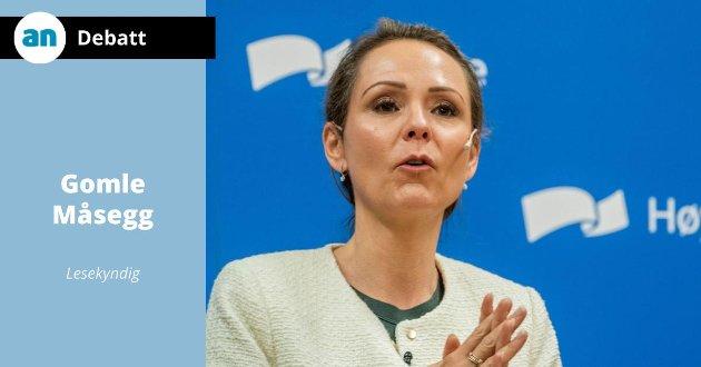 Distrikts- og digitaliseringsminister Linda Hofstad Helleland  foran landsmøtet i Høyre.