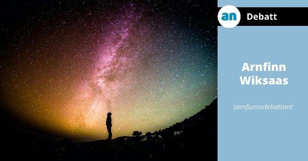 Universet oppstod i en kosmisk eksplosjon, «Big Bang».