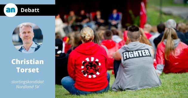 Etter terroren var det voldsutsatte og traumatiserte ungdommer som fikk sin ytringsfrihet innskrenket. på bildet AUF-ere på Utøya i 2015. Den første samlingen etter terroren i 2011.