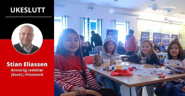 POPULÆRT: Bolystukene har vært populære, og stordelen av befolkningen i småkommunene deltar på arrangementene. Her er Mira (11,5), Elen (8), Irmelin (9) og Madeline (8,5) på plass i Øksfjord samfunnshus, under Bolyst-uken i Loppa denne uken.