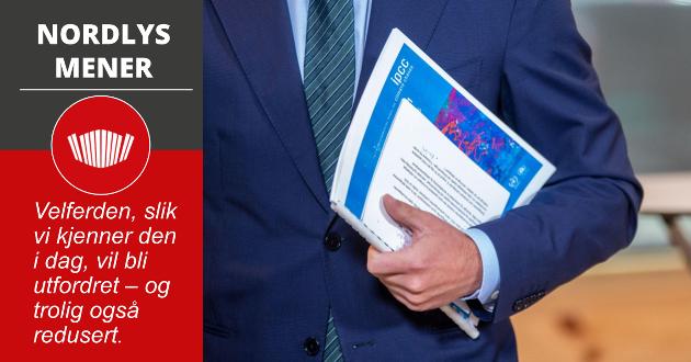 Klima- og miljøministeren mottok mandag rapporten fra FNs klimapanel på Klimahuset i Oslo.