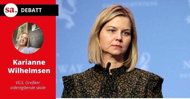 Ikke for sent: Karianne Wilhelmsen, elev ved VG3 på Greåker videregående skole, mener det fortsatt ikke er for sent å snu for kunnskaps- og integreringsminister Guri Melby.