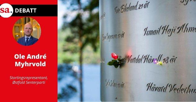 Ti år har gått siden terrorangrepet der 69 mennesker ble drept på øya den 22. juli 2011. Navnene til de drepte er gravert inn i minnesmerket Lysningen. Ved fødselsdagene settes en blomst inn i navnet. - 22. juli var et angrep på Arbeiderpartiet og AUF, men det var også et angrep på alle oss om tror på folkestyre, skriver Ole André Myhrvold i dette innlegget.
