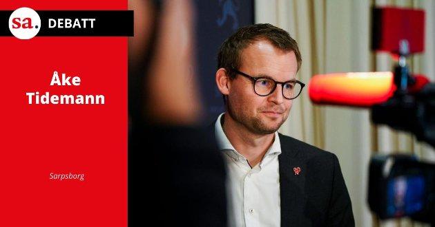 Det er kanskje ikke så underlig at KrF havnet under sperregrensen, og sitter igjen med bare tre representanter til det nye Stortinget, når deres leder blir tatt med buksene nede, skriver Åke Tidemann i dette innlegget.