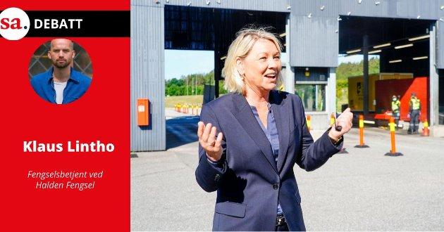 Justis- og beredskapsminister Monica Mæland (H) besøkte Svinesund tollsted i juni for å se på kontrollen med grensetrafikken.