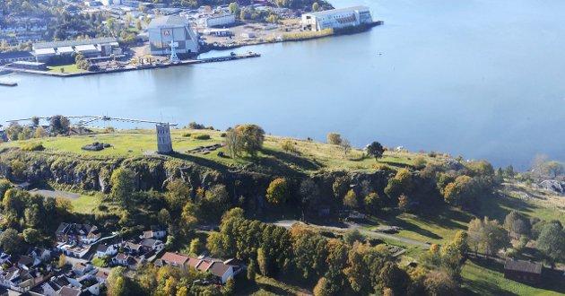 FOR FLERE: Mye er bra med Slottsfjellet, men det unike stedet må bli tilgjengelig for flere, mener Arbeiderpartiet i Tønsberg.