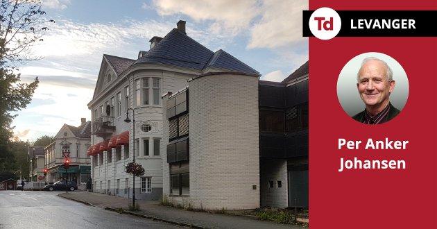 Det må, etter mitt syn, gå an å bygge for ny næring uten å redusere kvaliteten i trehusbyen, skriver Per Anker Johansen om den foreslåtte utbyggingen i Bankkvartalet.