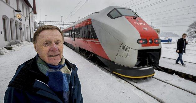 I et leserbrev i SA 11. februar ga Ap-politiker Desiré Craggs uttrykk for at hun mislikte Per Olaf Toftners (bildet) ordbruk i jernbanedebatten. Sissel Utne mener i dette leserinnlegget at det i stedet er Craggs som bør be Toftner om unnskyldning. «Han beskriver heller nøyaktig hvordan han, og mange med ham, føler at byen vår blir behandlet i Rett Linje-saken», skriver Utne. (Foto: Johnny Helgesen)
