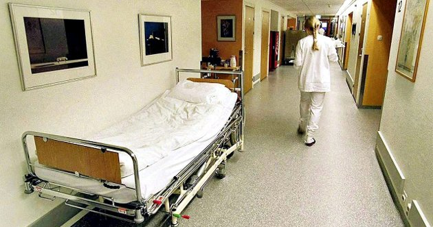 Skal vi klare å holde på sykepleierne, kreves det ikke bare god lønn som gulrot, men gode arbeidsvilkår som vil bevare og rekruttere flere sykepleiere til helsevesenet, skriver Lisbeth Storvik.