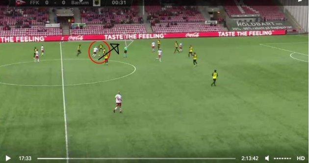 Her ser vi Joona Veteli trekke inn fra venstre, og ingen Bærum-spillere fanger ham opp.