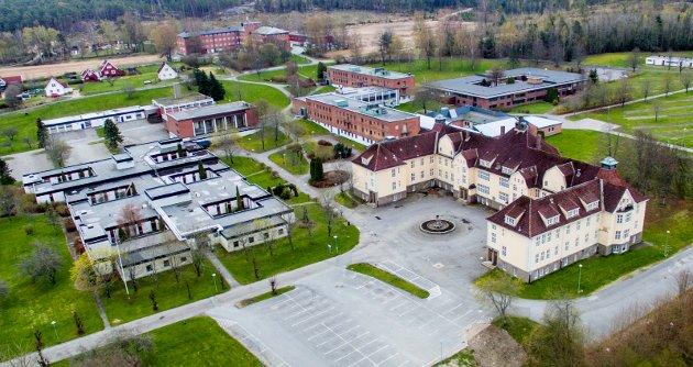 «100 års stolt historie»: Dag Bjørgestad skriver at Veum Park skal være klar over hva de har overtatt. Den staselige hovedbygningen sto ferdig i 1914, den gang som kvinneavdeling, senere var den administrasjonsbygning.