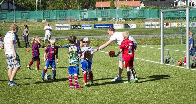 IKKE HINDER: Bestemmelsene i barneidrettsreglene er ikke noe hinder for å kunne utvikle små håpefulle til potensielle toppidrettsutøvere i de fleste idrettsgrener, mener Jen Erik Mjølnerød. Arkivfoto