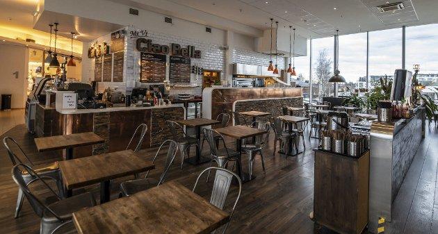 Hybrid: Før var Ciao Bella en ren italiensk restaurant. Nå står det også asiatisk mat på menyen – men det er ikke den eneste endringen som har skjedd her siden forrige besøk. ALLE FOTO: VIDAR SANDNES