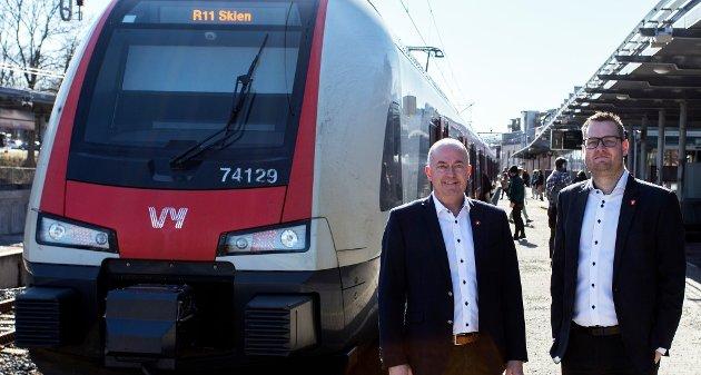 VIKTIG: Frp vil være en garantist for fortsatt utbygging av dobbeltspor gjennom hele Vestfold, skriver Morten Stordalen (t.v.) og Anders Mathisen.