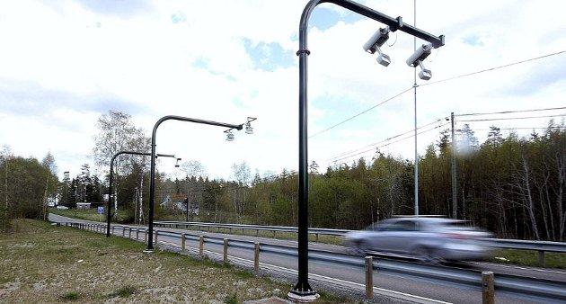 Skepsisen blant bilistene har økt i takt med antall nye bomstasjoner, skriver Finn Åsmund Johnsbråten.