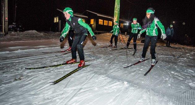 """Full fart: Nå har skiløperne i Ås IL fine treningsforhold med """"ny"""" lysløype med LED-lys."""