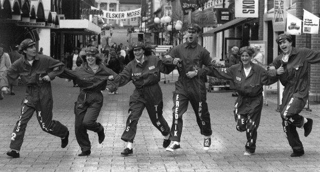 Mosseruss danser i gågata, 1992.