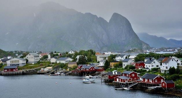 Lofoten og Nord-Norge får i år flere norske turister enn før.