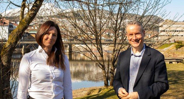 OM LÆRARUTDANNING: Olve Grotle og Elisabeth B Hatlenes er stortingskandidatar for Høgre.
