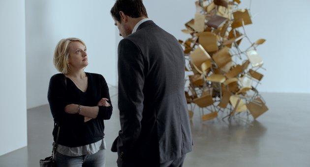 Elisabeth Moss, blant annet kjent fra «Mad Men», og Claes Bang spiller i «The Square».