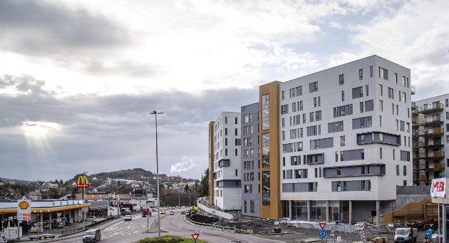 Lagunetoppen (bildet) og Paradisalleen ble av en anmelder i BT brukt som eksempler på noe som er galt med boligbyggingen i dag. FOTO: Rune Johansen