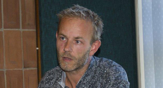 Mons-Ivar Mjelde (Ap) vil ha evaluering av skjenketidene. Det skal han få på litt sikt.
