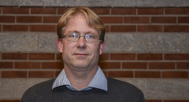 Nils R Melby