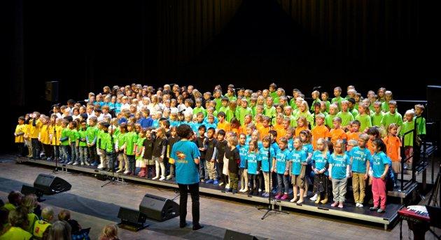 STORT KOR: 224 barn var med i den første konserten.