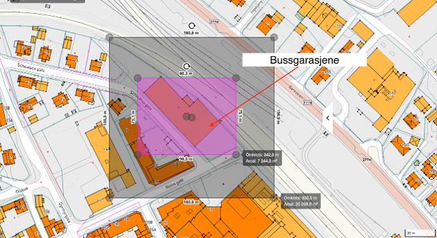 Viser Biltema's tomt og bygning overlagt kartbilde for bussgarasjene.