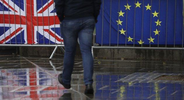 – Ansvarsløs politikk: Slik vi så i folkeavstemningen om Brexit, er det lettere å samle folk fra alle deler av politikken mot EU heller enn å samle folket for et bedre alternativ, skriver innsenderen. Foto: NTB scanpix / AP