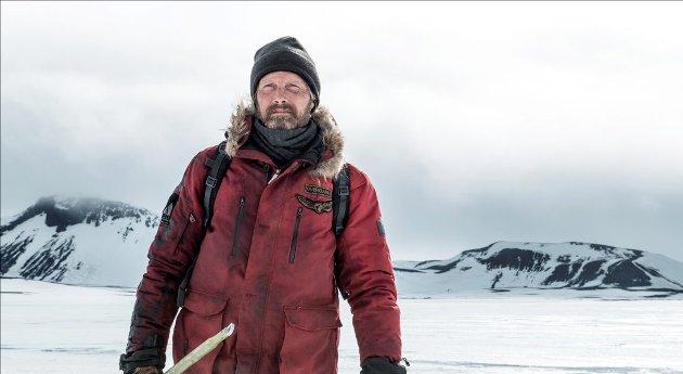 """ALENE: Øvergård (Mads Mikkelsen) som strandet polarforsker i spillefilmen """"Arctic""""."""