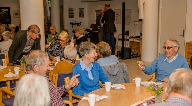 VIKTIG ORGAN: Eldrerådet kan og bør selv ta opp alle saker som angår eldre sin velferd og verdighet. Her fra markeringen av eldredagen i Ås 2019.