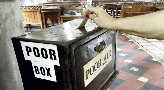Fattigkassa: I andre land er det ofte en poor-box i kirkene, der et bidrag kan ytes. Foto: Pål Nordby