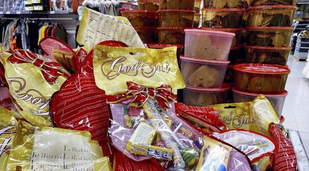 Jula smyger seg på: 13. oktober er det jule-strømper, pepperkaker, kalendre og skumnisser å få kjøpt på Europris i Holmestrand. Foto: Pål Nordby