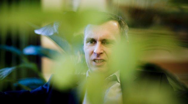 «HALLO!» Styreleder Sven Ombudstvedt i Norske Skog: – Do you hear us??! Der inne i skogen ...!!??