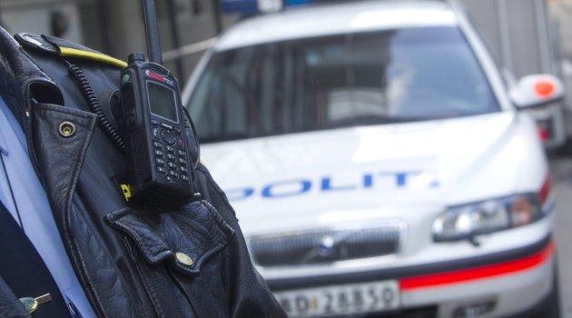 FOR LANGT TID: I flere tilfeller når det aksjoneres fra politiets side med blålyskjøring over store avstander er responstiden for lang, skriver innsenderen. Foto: Scanpix