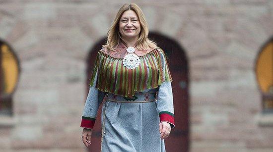 Anne Karin Olli (H).