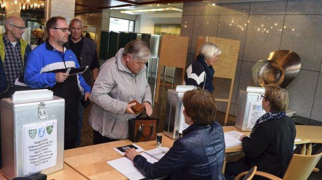Gjøvik rådhus tirsdag. Foto: Sæmund Moshagen