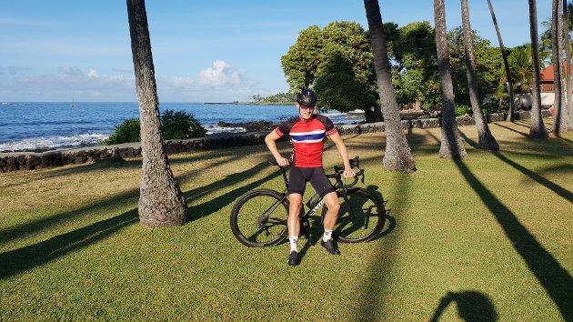 Sykkelentusiast Atle Skjelstad Thoresen fra Vinterbro viser private bilder fra turen til Manua Kea i Hawai og fra VM i Italia